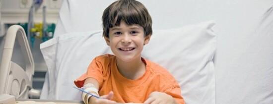 Cum îţi poţi ajuta copilul să simtă mai puţină durere atunci când este bolnav?