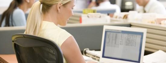 Cele mai enervante obiceiuri pe care le au oamenii la birou