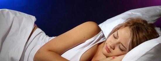 De ce este bine să dormim pe partea stângă?