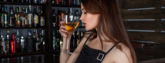 De ce consumăm alcool dacă ştim ce efecte negative are asupra noastră? Experţii au găsit răspunsul