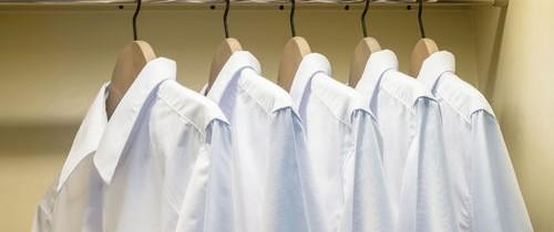 Cărui scop serveşte buzunarul mic de pe blugi sau capătul albastru al radierei? Iată zece obiecte uzuale şi întrebuinţele lor reale