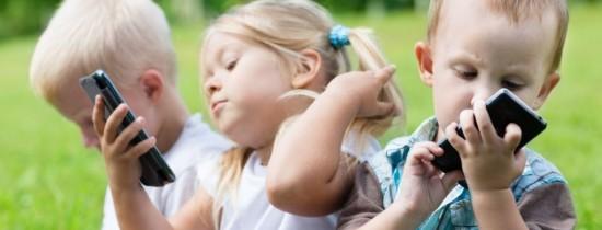 Rutina haotică în care părinţii îşi cresc copiii le creează probleme ca adulţi. Una dintre ele este imposibilitatea de a îşi gestiona timpul