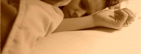 Atunci când suntem supăraţi sau nervoşi, nu trebuie să adormim. Cercetătorii au o explicaţie ştiinţifică