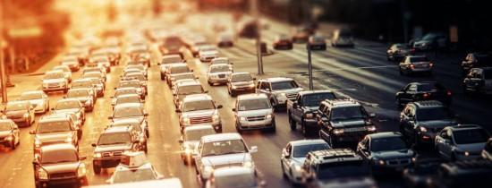 Decizia Chinei răstoarnă industria automobilelor pe benzină şi motorină. Demersul surprinzător al asiaticilor