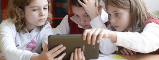 Ai un copil cu probleme de învăţare? Află aici cum poate fi tratat