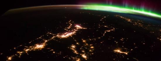 O frumoasă auroră boreală, filmată din cosmos. Imagini spectaculoase