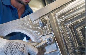 Prima piesă din titan tipărită 3D a fost instalată pe o aeronavă de serie