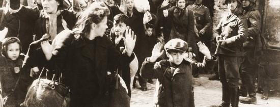 După mai bine de 70 de ani, familia unei victime a Holocaustului a fost reunită odată cu descoperirea unui pandantiv găsit în fostul lagăr unde a murit