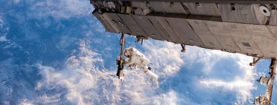 Au găsit ruşii viaţă extraterestră pe ISS? Un cosmonaut afirmă că a descoperit bacterii vii, care provin din ''spaţiu'', în carena Staţiei Spaţiale Internaţionale. Alţi experţi sunt sceptici