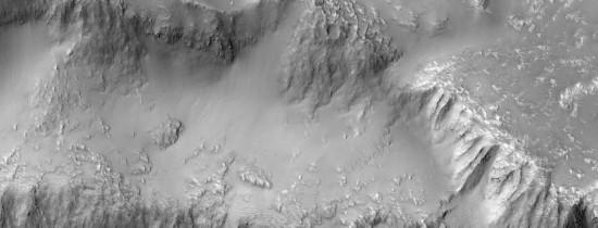 Urmele curenţilor de apă de pe Marte ar putea fi de fapt nisip