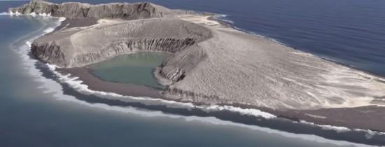 VIDEO. O mică insulă vulcanică din Pacific care trebuia să dispară i-a fascinat pe cercetători şi poate rescrie modul în care înţelegem formarea acestor insule