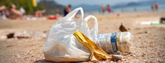 Pericolul real al plasticului a fost scos în sfârşit la iveală: efectele asupra fertilităţii pot fi ireversibile