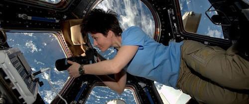 Două decenii de Staţia Spaţială Internaţională, istoria unui experiment reuşit al omenirii. Contribuţiile la explorarea spaţială, trecutul, prezentul şi viitorul acesteia