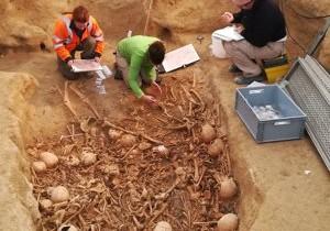 Un mormânt subteran vechi de 5.000 de ani, descoperit în Franţa