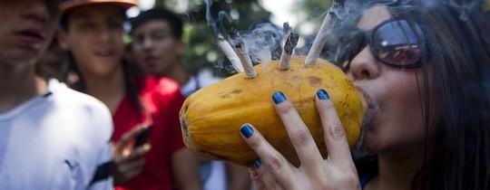 Ce se întâmplă în creierul celor care fumează marijuana?