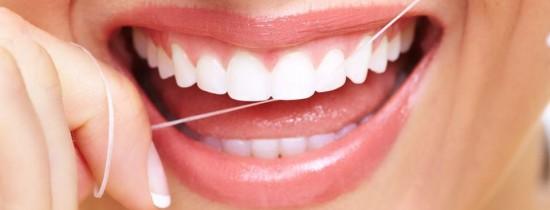 De ce nu ar trebui să arunci niciodată aţă dentară în toaletă?