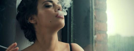 Cum ajunge fumul de ţigară impregnat în păr sau haine să ne facă mai mult rău decât clasica ţigară sau fumatul pasiv