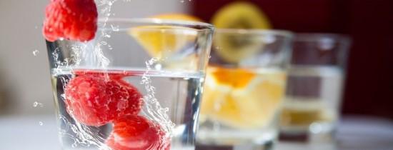 Câtă apă trebuie să bei de fapt?