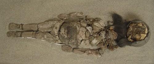 Un fenomen straniu afectează cele mai vechi mumii din lume
