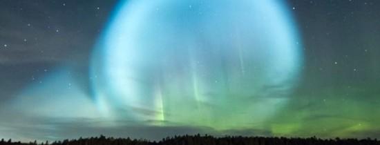 Un glob luminos straniu a fost vizibil pe cerul din nordul Siberiei în urma testării rachetelor balistice ruseşti