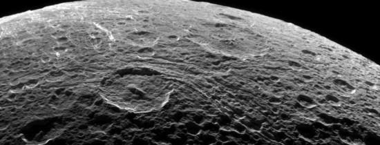 Cum schimbă existenţa apei pe Lună originea satelitului nostru natural? ''Este o întrebare extrem de importantă şi dificilă''
