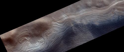 Noile fotografii realizate de ESA sunt probabil cele mai spectaculoase imagini cu suprafaţa lui Marte