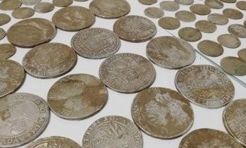 Monede vechi de peste 500 de ani, descoperite într-o localitate din Dâmboviţa